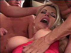 gangbangs, pipes, blondes, gorges profondes, double pénétration, anal