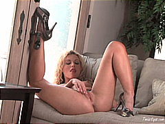 Kayden Kross, blond, strip, mastrubasie