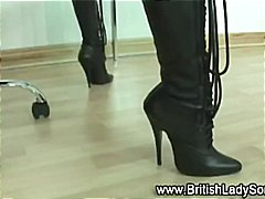 Posh lady sonia in hot boots