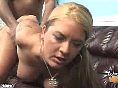 joclyn stone,  babe, hard, wit, blond, inter-ras, ma