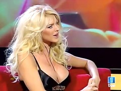 blonde, sex in public, sani uriasi, celebritati, singure, lesbiene