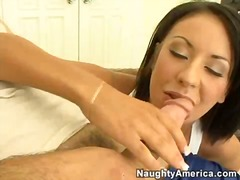 Dong hungry isis monroe fills her smutty mouth with an amazing beaver