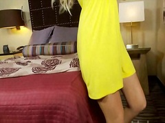 Curvy blond is expert in giving bjs