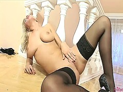 Simella gives a closeup of her pussy hole as she masturbates with dildo