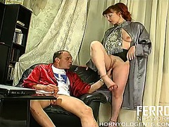 rooikop, milf, sykous, ouer, hand job,